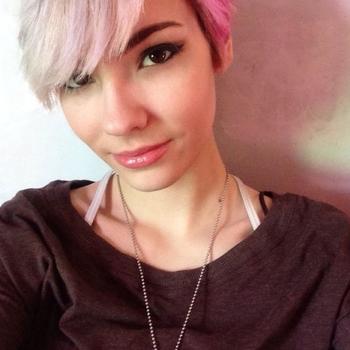 Sexdate met britt - Vrouw (26) zoekt man Limburg