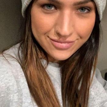 seksafspraak met heelVeelll, Vrouw, 26 uit Limburg