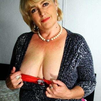 flirt met Boobs, Vrouw, 65 uit Zuid-Holland