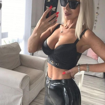 Sexdating contact met specialtybimbo, Vrouw, 27 uit Zuid-Holland