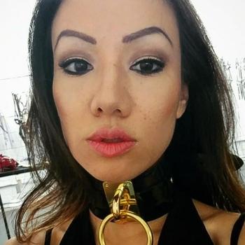 Vrouw 32 jaar zoekt kinky date