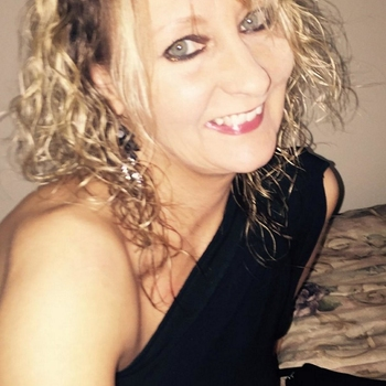 seksdate met evvelienn, Vrouw, 49 uit Gelderland