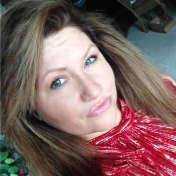 seks afspraak met Melanievv, Vrouw, 48 uit Gelderland