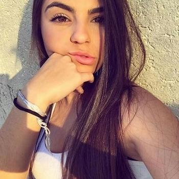 Winnitoe, Vrouw, 19 uit Zuid-Holland