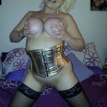 Vrouw 51 jaar zoekt kinky date