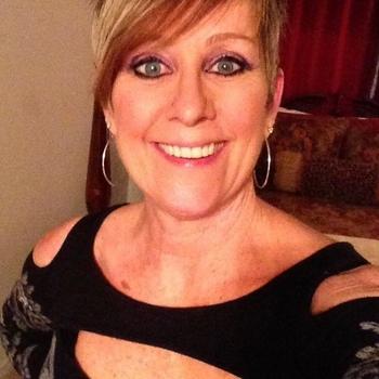 56 jarige vrouw uit Hummelo zoekt sex