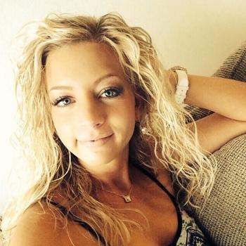 Zizoooo, Vrouw, 27 uit Friesland