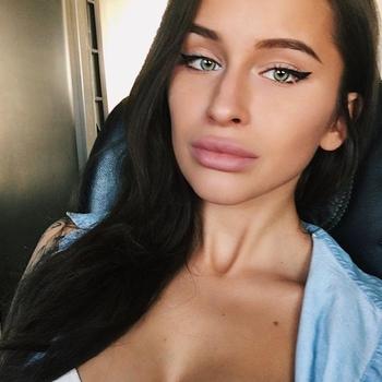 Seks contact met Amaele, Vrouw, 21 uit Oost-vlaanderen