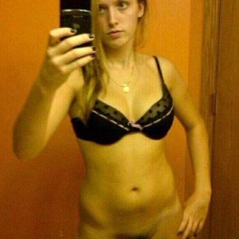 Juvais, Vrouw, 22 uit Gelderland