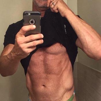 Gay RobertK58 zoekt sex