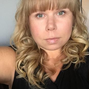 Sexdate met Mamiaaaa, Vrouw, 41 uit West-vlaanderen