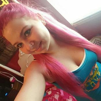 neukdate met gekkemeidd, Vrouw, 21 uit Gelderland