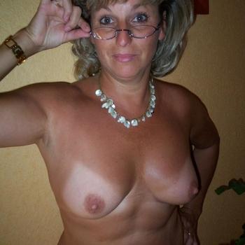 seks date met bear, Vrouw, 61 uit Limburg