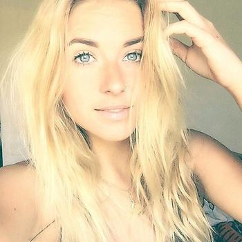 vreemdgaan met Zeeuwsmeisje19, Vrouw, 21 uit Zeeland