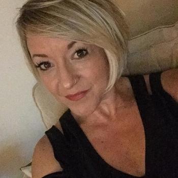 seks afspraak met Lilyyyy, Vrouw, 48 uit Utrecht