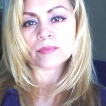 53 jarige vrouw, La_Dy_Da zoekt contact met mannen in Limburg voor sex