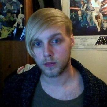 Gay Danieljosh zoekt een sexcontact
