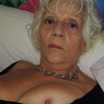Hotel Seks date met grannyxl, Vrouw, 67 uit Groningen