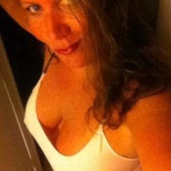 zubina, Vrouw, 52 uit Utrecht