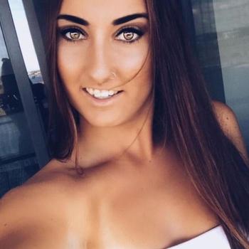 Sex contact met Evalli1n, Vrouw, 21 uit Noord-Brabant