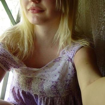 draakje98, Vrouw, 22 uit Flevoland