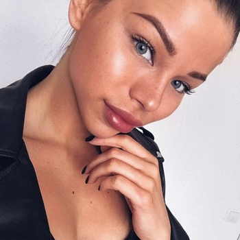Fladdertjes, Vrouw, 18 uit Flevoland