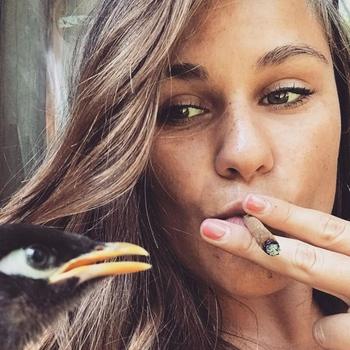 Smokeys, Vrouw, 20 uit West-vlaanderen