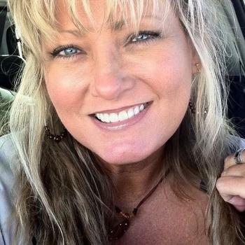 Prive sex contakt met Nobooddyy, Vrouw, 56 uit Gelderland