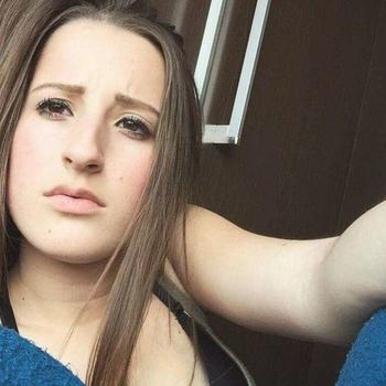 Joycke, Vrouw, 21 uit Limburg