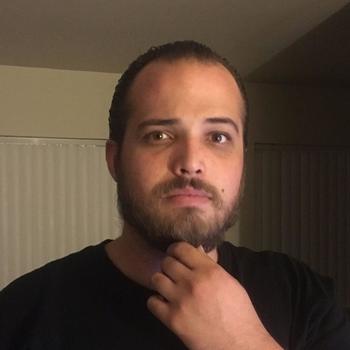 Gay Conrad zoekt sex