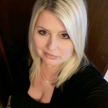 Blondka, 56 jarige vrouw zoekt seks in Zuid-Holland