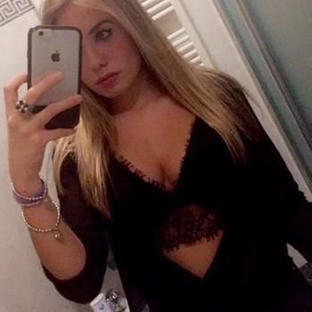 Hotel Sex contakt met Adeletteishier, Vrouw, 22 uit Gelderland