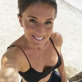 Seks contact met Eymelle, Vrouw, 28 uit Friesland