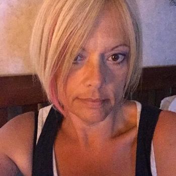 Hotel Sexdate met Leeennhh, Vrouw, 49 uit Groningen