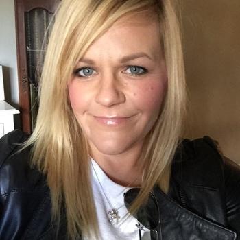 Yvon, Vrouw, 45 uit Flevoland