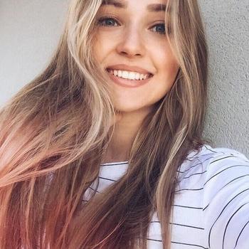 Gratis sexdate met deze 18-jarig meisje uit West-Vlaanderen