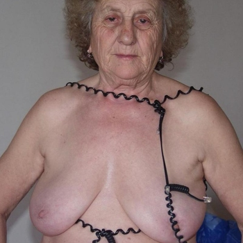 Halloma, Vrouw, 70 uit Antwerpen