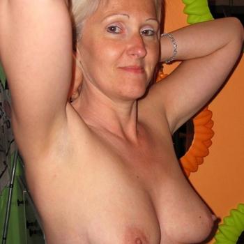 Seksdate met leeni, Vrouw, 51 uit Oost-vlaanderen