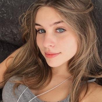 Sexdate met AnneliekeWw, Vrouw, 21 uit Friesland