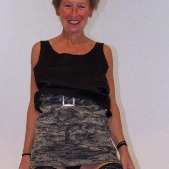 Sexdate met Leony, Vrouw, 65 uit Groningen