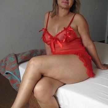 esmeee, Vrouw, 63 uit Antwerpen