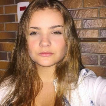 Seks contact met stoutenslim, Vrouw, 21 uit Friesland