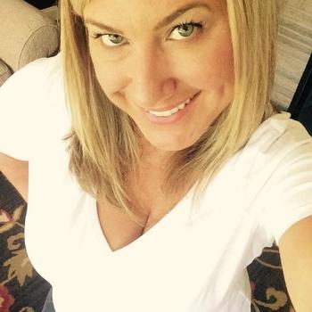 neuk date met lolaaaj, Vrouw, 41 uit Overijssel