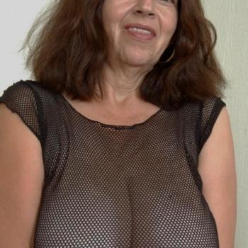 Sex contact met Lottecup, Vrouw, 63 uit Utrecht