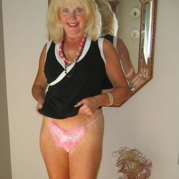Sexdate met tinnekeee - Vrouw (63) zoekt man Flevoland