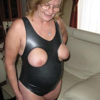 Vrouw 55 jaar zoekt kinky date