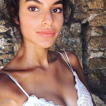 Sexdate met Joycie - Vrouw (21) zoekt man Het Brussels Hoofdst