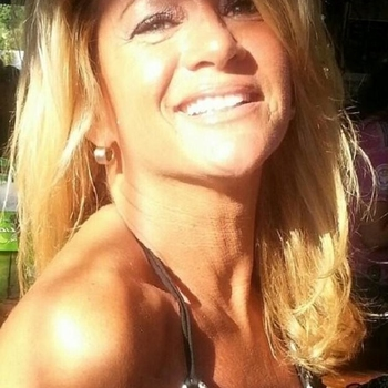 sex date met Fanissa, Vrouw, 62 uit Limburg
