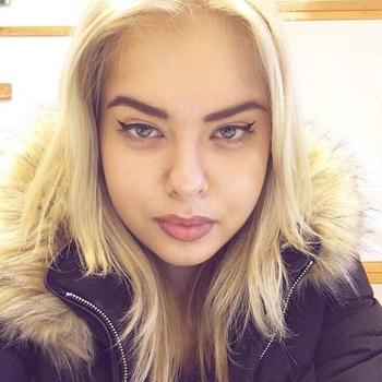 Sexdate met vrivool - Vrouw (21) zoekt man Flevoland