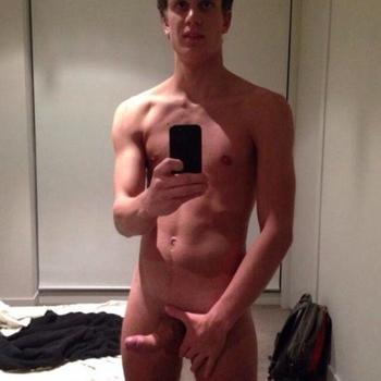 Gay Jimmieey zoekt een sexcontact